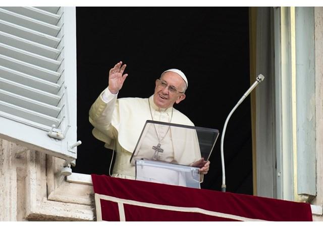 Angelus: a santidade é para todos, não para super-homens